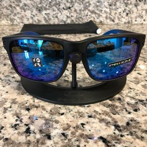 7f3d327fbde Oakley Accessories - Oakley Holbrook PRIZM Polarized Sunglasses NEW
